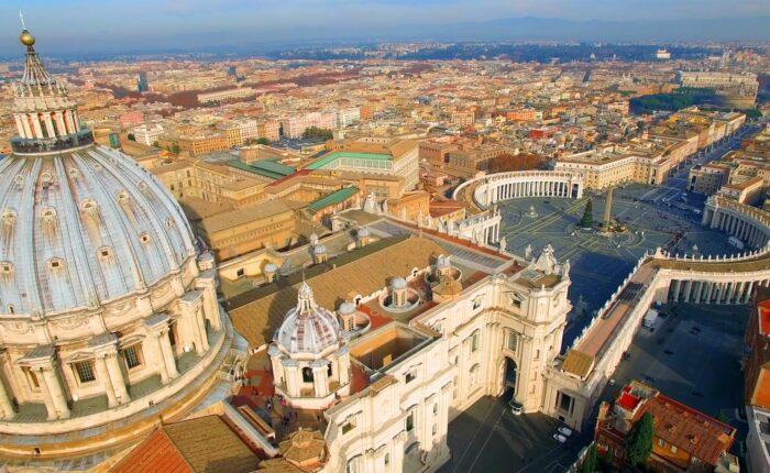 Vatikan - Ena od treh civilizacij, katere dediči smo, se je začela na sedmih gričih ob Tiberi.